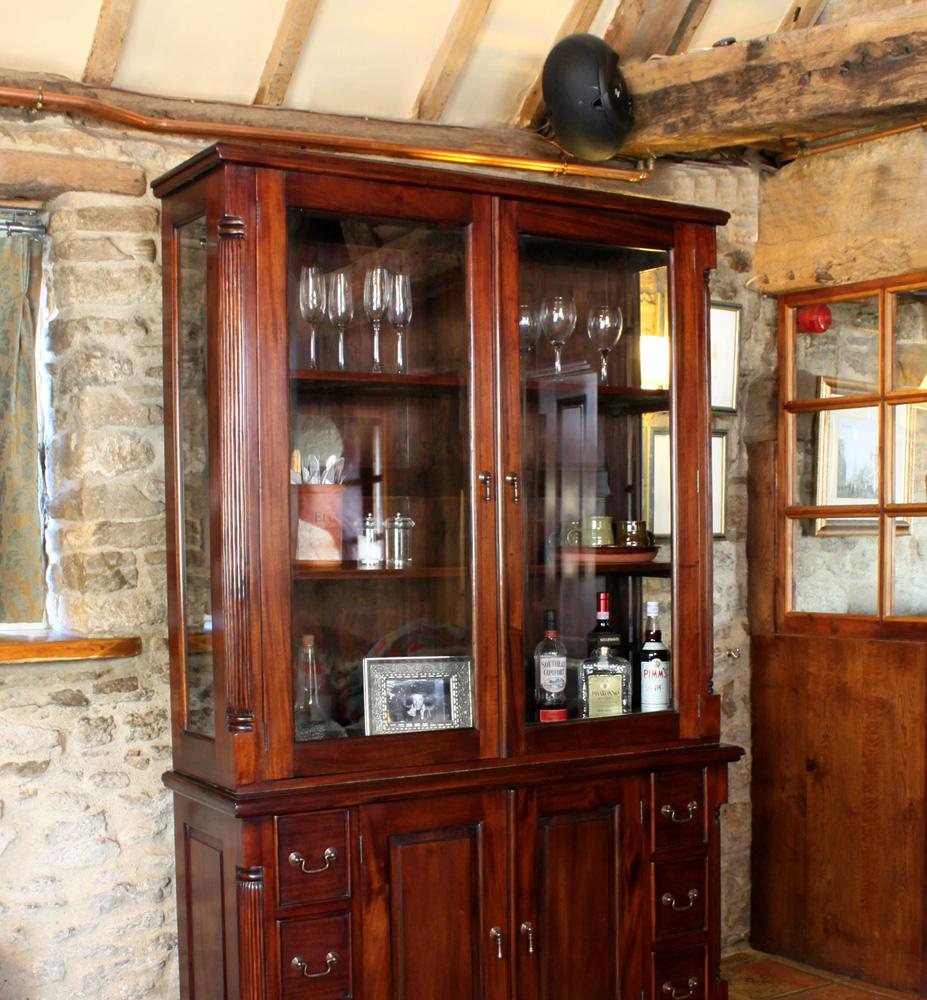 La Roque Dresser tops (Hutch)