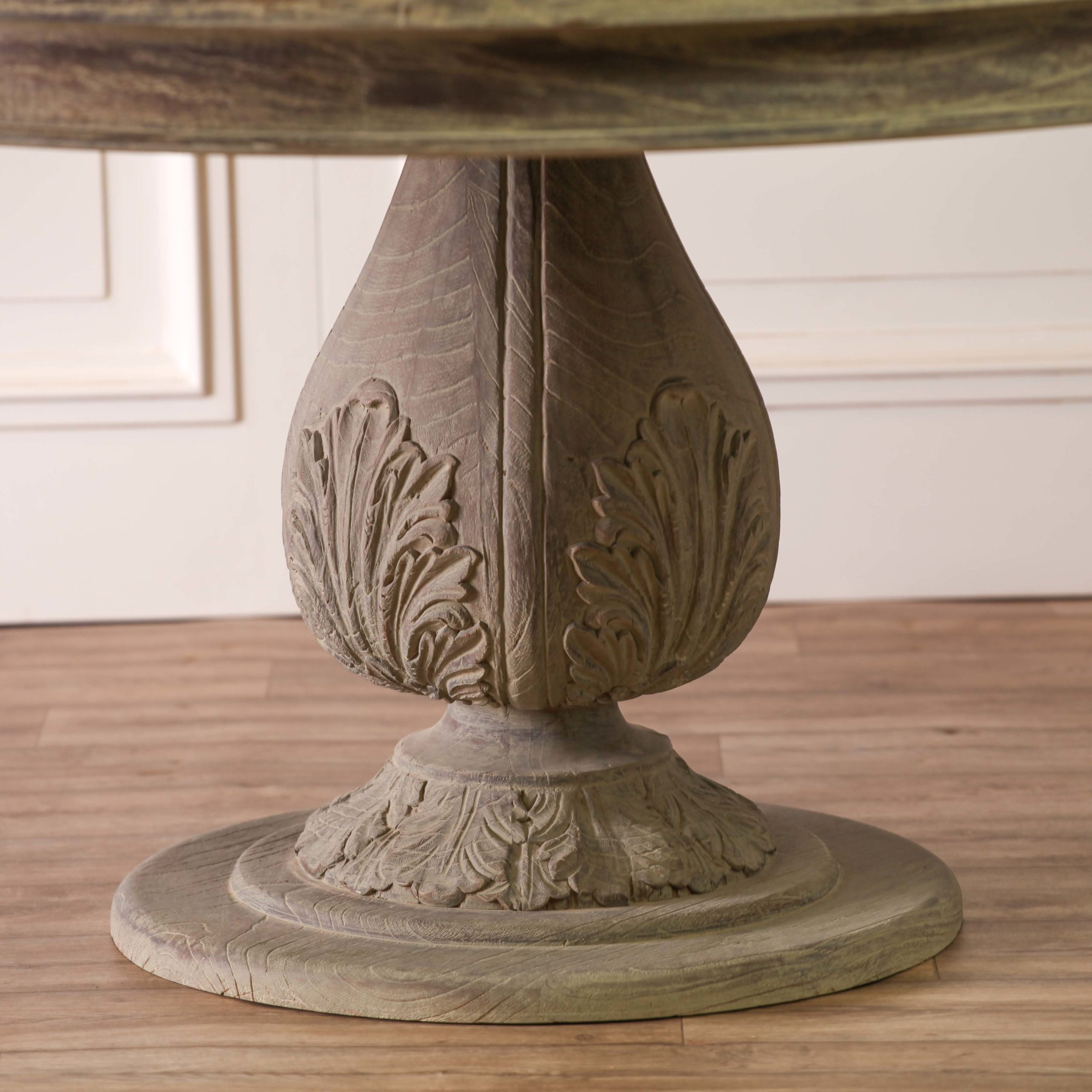 Rustic Washed 150cm Round Acorn Dining Table